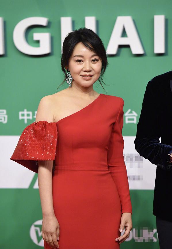 谁赢得了70年代后无修复女演员奖,闫妮,姚晨,马伊利和海青?